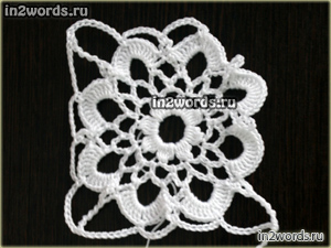 Мотив цветка в квадрате. Средне-крупный цветочек с 8 лепестками. Вязание крючком.