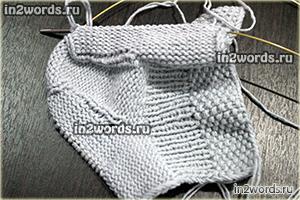 Носочки для малыша. Особенно подойдут мальчику. Вязание спицами.
