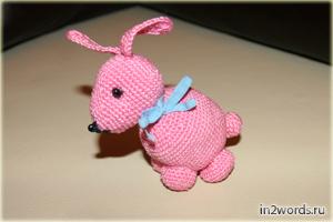 Handmade зайчик, связанный крючком. Искусство Амигуруми.