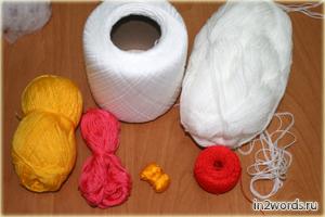 Hola a mano Kitty. Crochet. Amigurumi arte.