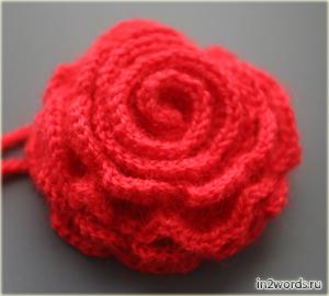 Роза красная handmade. Почти натурального размера. Вязание крючком.